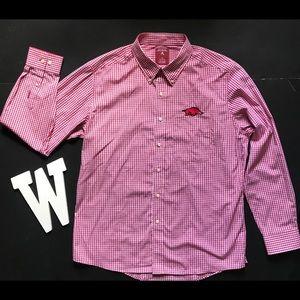 NWOT Men's Arkansas Razorback Button Down Shirt